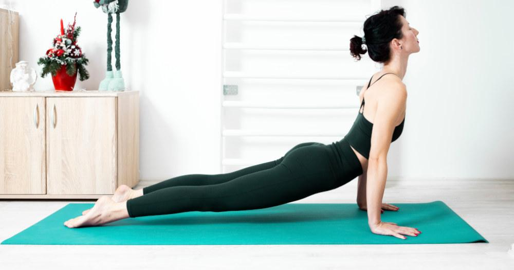 7 yoga poses you should do first thing in the morning