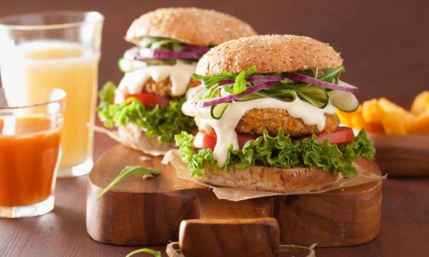 A-healthy-oatmeal-Burger-matches-up-with-Soy-Smoothie