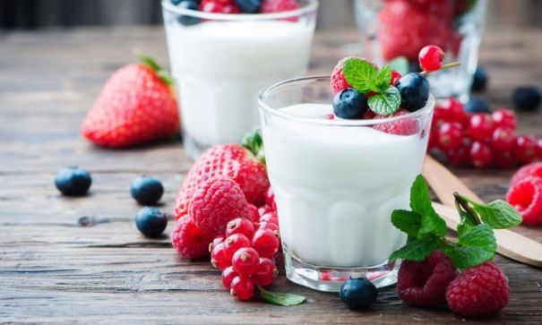 Here-is-how-to-use-fruits-and-yogurts-to-get-more-energy