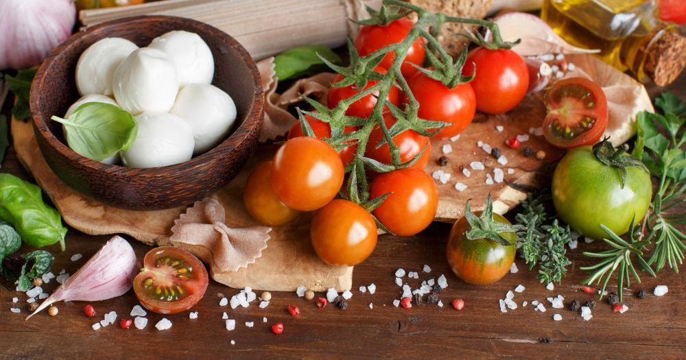 Best Italian Balsamic Bruschetta with Cheese Recipe | Mevolife
