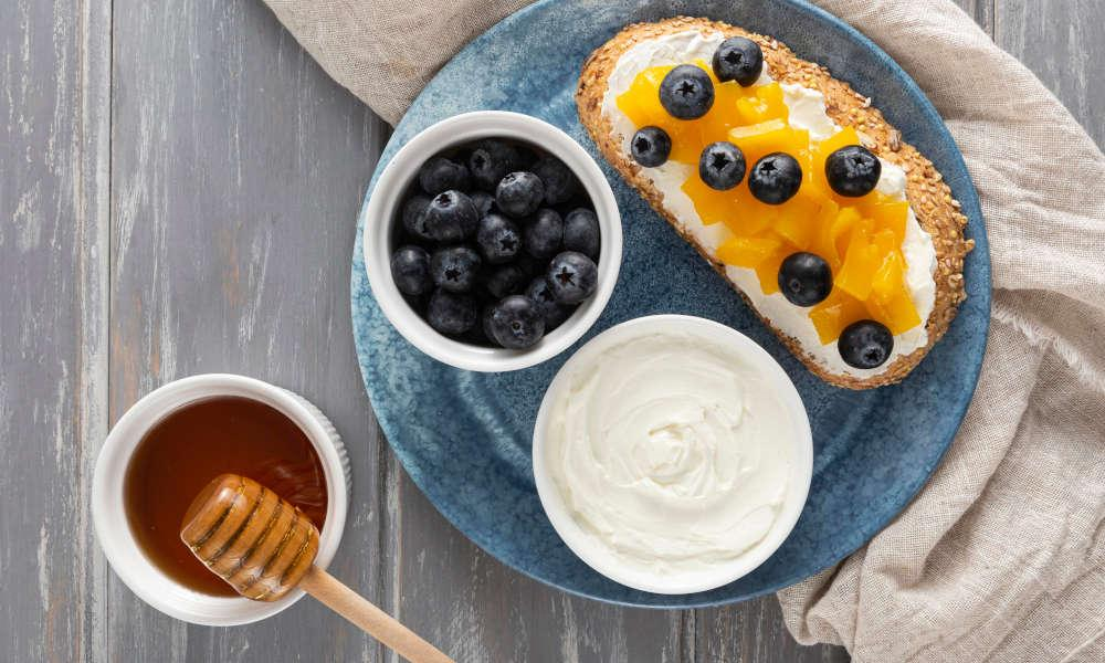 How to eat honey?