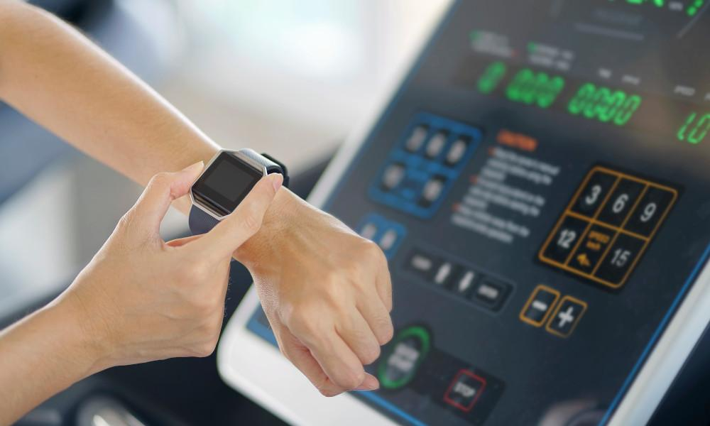 Your Fitness Wearable Can Help You Workout Better And Longer, Say Experts!-4